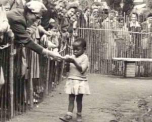 Afrikanisches Mädchen im Brüsseler Zoo, 1958