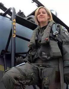 Die Jungfrauen, auf die der IS gehofft hat, kommen nun vom Himmel um sie zu holen. Russische Pilotinnen
