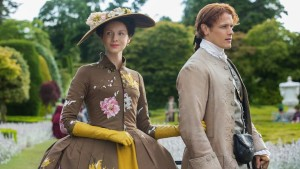 caitriona_balfe_as_claire_randall_fraser_sam_heughan_as_jamie_fraser-_episode_205